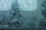 Rainwater-dripping-on-the-windshield__37335-480x320